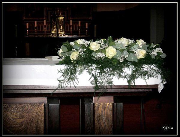 Bloemstuk voor huwelijk maken als altaarversiering - altaarbloemstuk zelf maken met online bloemschikcursus