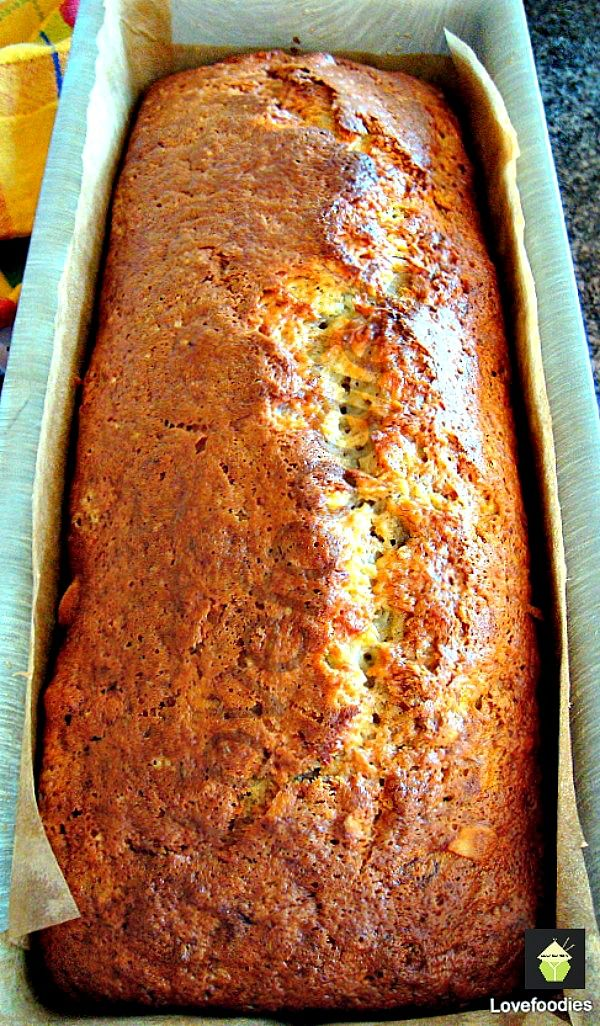 Easy Moist Caramel Banana Loaf Cake on MyRecipeMagic.com #cake #caramel #banana