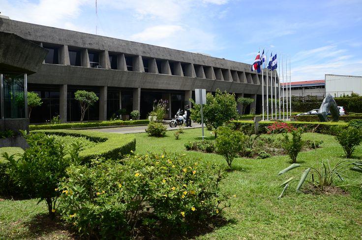 Ministro de la Presidencia se desmarca de decreto que sepulta informes de Brasil