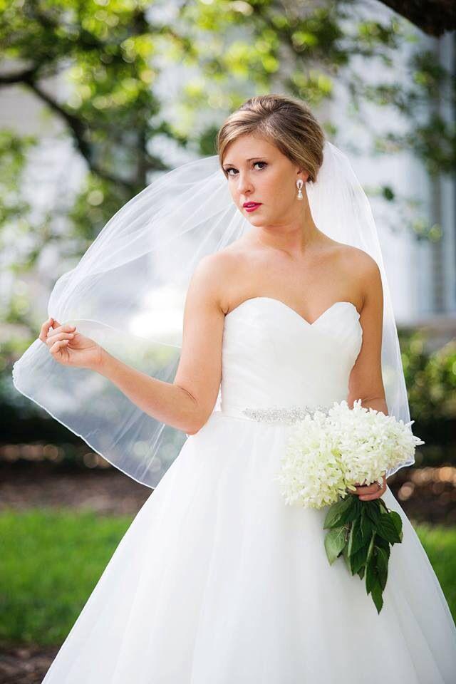 Bridal portraits, outdoor bridal portraits, hydrangea bouquet, southern bridal