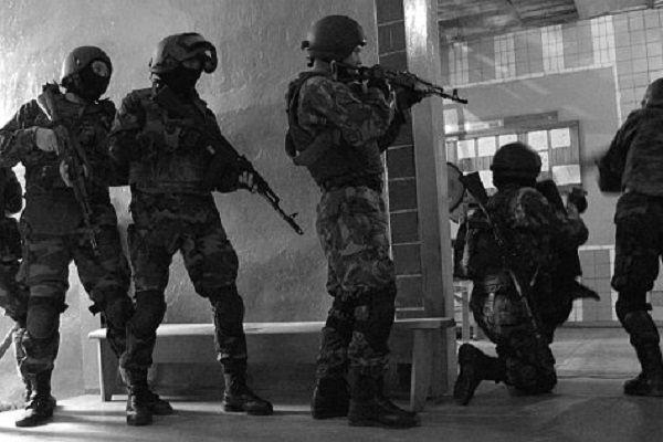 В Мариуполе взрыв, стрельба и подготовка к штурму