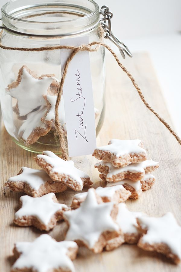 zimtsterne || german christmas cookies // most of you know that i'm german. my mother would make these every christmas and give to friends. they. are. amazing.