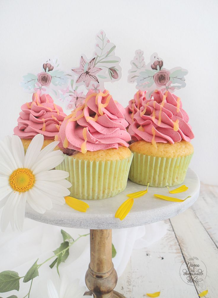 Raspberry and Lemon curd Cupcakes