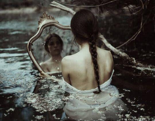 Non lasciate che vi trascinino nella tempesta. Fatevi amare e, soprattutto, rispettare.