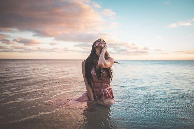 How epic is this?  Drop an emoji or comment below. Model: @flywithmaile . . . . . #bikini #swimwear #ocean #swimsuit #body #hotgirl #npc #legs #beachwear #beachlife #sand #pool #waves #bikinicompetitor #physique #surf #girlswholift #paradise #abs #bikinimodel #bikinigirl  #fitnessmodel #bikinis #figure #curves #fitgirl#instagirls #swimsuit #sports #bikinibabe