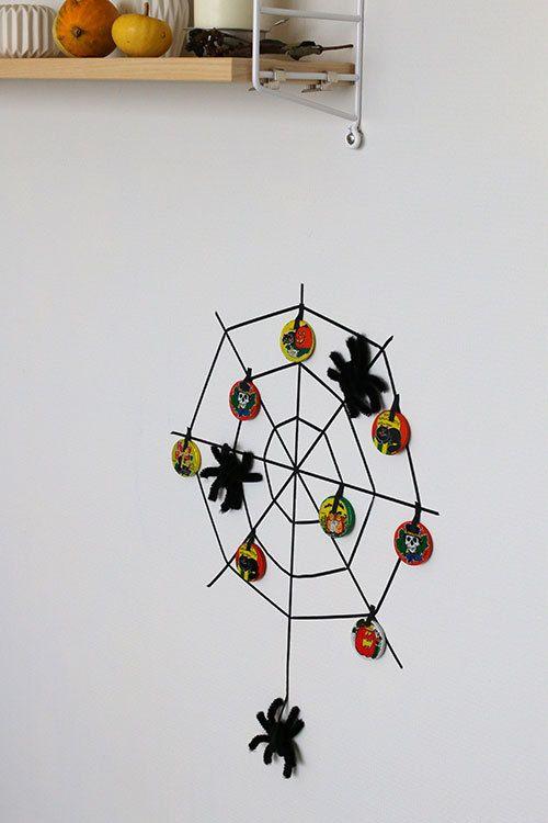 ★モールで簡単!ハロウィンの蜘蛛を手作りで♪ | インテリアと暮らしのヒント