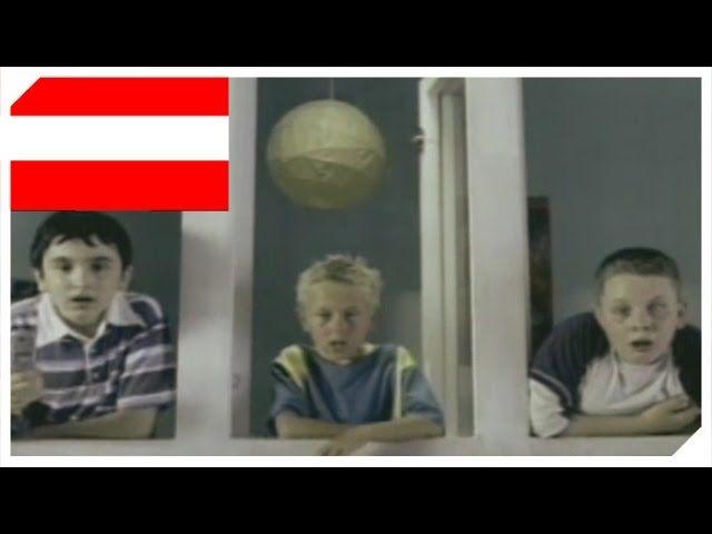 Hierfür gibt es genau ein Wort: Lausbuben!     https://www.youtube.com/watch?v=2IFUTmfVIWI   #ausgetrickst #Commercial #dielustigstenwerbespotsderwelt #Duschen #Handyklingelt #Jungenstreich #Klingelstreich #Lausbuben #Lustig #lustigeWerbung #Mtel #nackteFrau #Österreich #Werbespot #Werbung