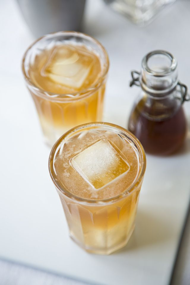 Ginger Spiced Apple Cocktail | DonalSkehan.com, The perfect festive tipple!