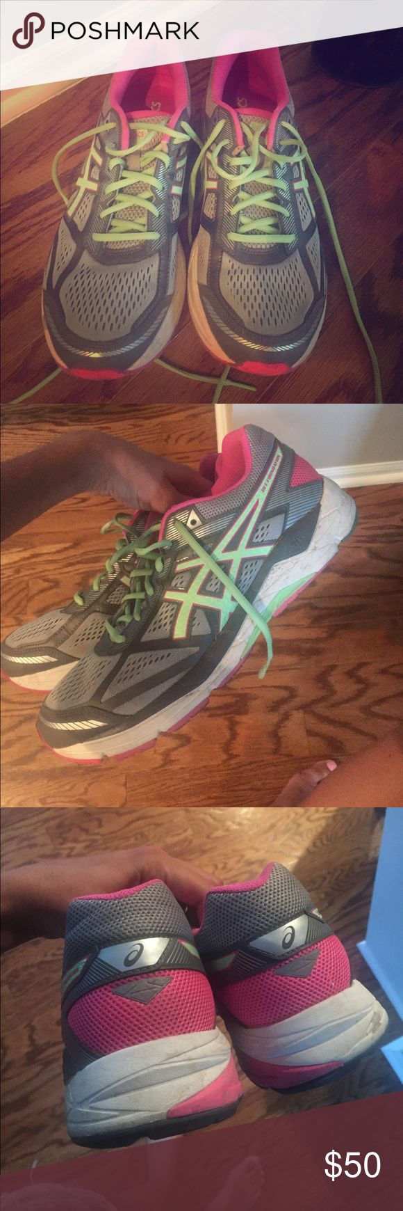 Asics gel foundation Great condition-worn for maybe a week Asics Shoes Athletic Shoes
