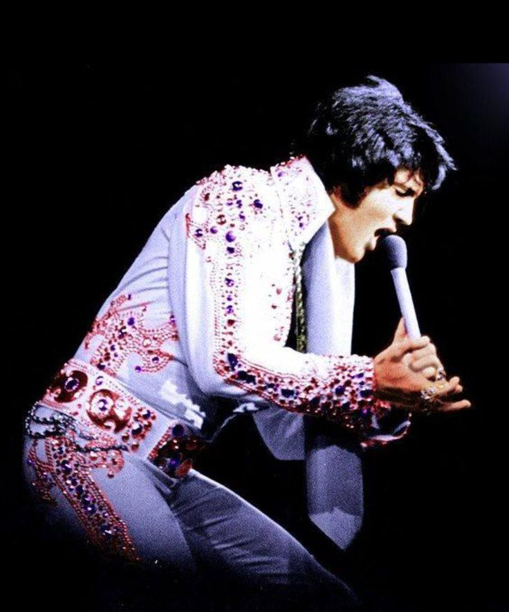 performing in the 1973 Arabian suit live on stage at the Hilton Hotel in Las Vegas, NV on Friday, August 10, 1973 (dinner show at 8.15pm)