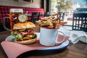 Park Distillery, Banff Burger!