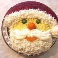 Новогодние салаты: шапка и варежка Деда Мороза