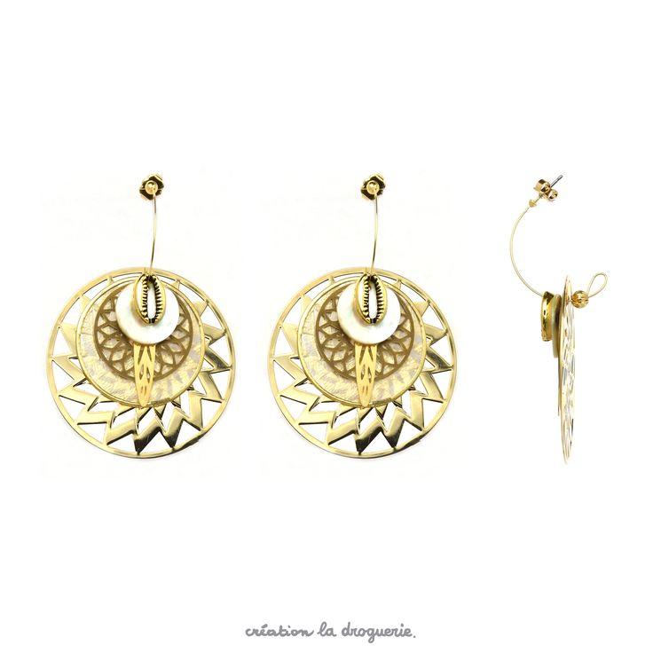 Pour réaliser ces demi-créoles très chics, il suffit d'enfiler les perles sur la créole. C'est simple et tellement joli ! #ladroguerie #bijoux