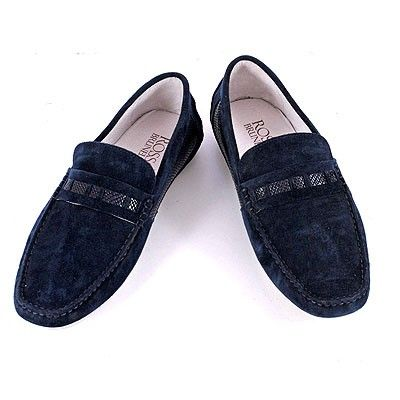 https://medium.com/@sonalbisht101/why-should-you-buy-your-leather-footwear-online-476cb67bfb45#.7o6lukzat #Leather #footwear #india