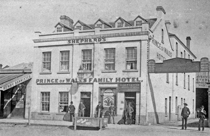 Prince of Wales Family Hotel: Little Malop Street, Market Square, Geelong