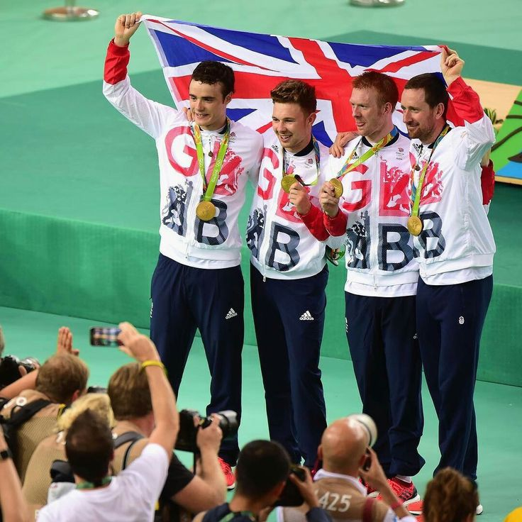 GOLD forTeam GBMen's team pursuit! A staggering world record breaking ride of 3 mins 50.265 seconds RIO 2016