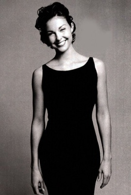 Cosmopolitan - aj cosmo2 - Ashley-Judd.com