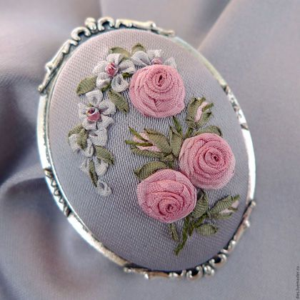 Brooch handmade.  Fair Masters - handmade.  Buy brooch pearl gray embroidered…