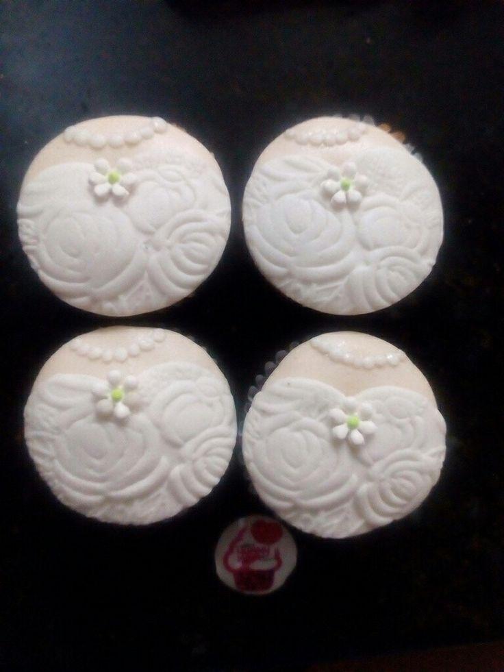 #cupcakes #yummy #yummygourmet #novia #boda