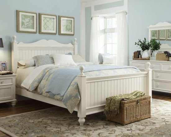 Cottage Style Bedroom...Love the Clean Look