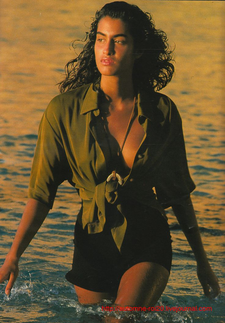 Yasmeen Ghauri | Photography by Marc Hispard | For Elle Magazine France | July 1990 #yasmeenghauri #marchispard #elle #1990