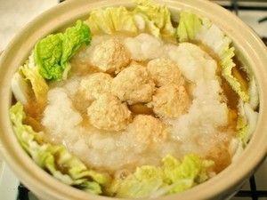 豆腐入り鶏団子と大根おろしたっぷりの白菜鍋