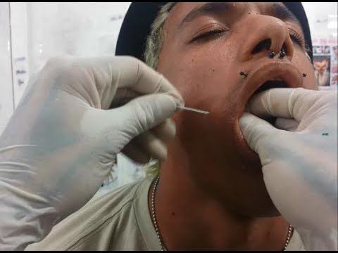 Colocando piercing na bochecha - Com Maycoln Tarasevic