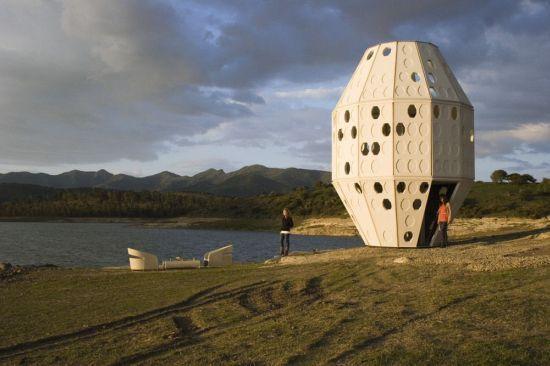 Broisson Architects of Naucalpan, Mexico, designed a prefab pod house.