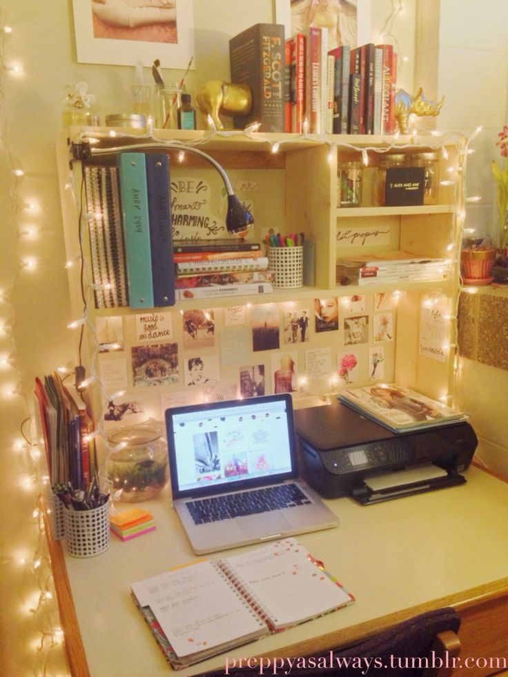 preppyasalways i just really love my dorm room perfect - Dorm Room Desk Ideas