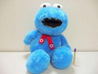 Boneka cookie monster besar  lucu.Bahan rasfur halus, tinggi hampir satu meter lohh Info dan order silakan di 087751751977 atau PIN BB 276FF2C1 Jangan lupa capture gambarnya ya