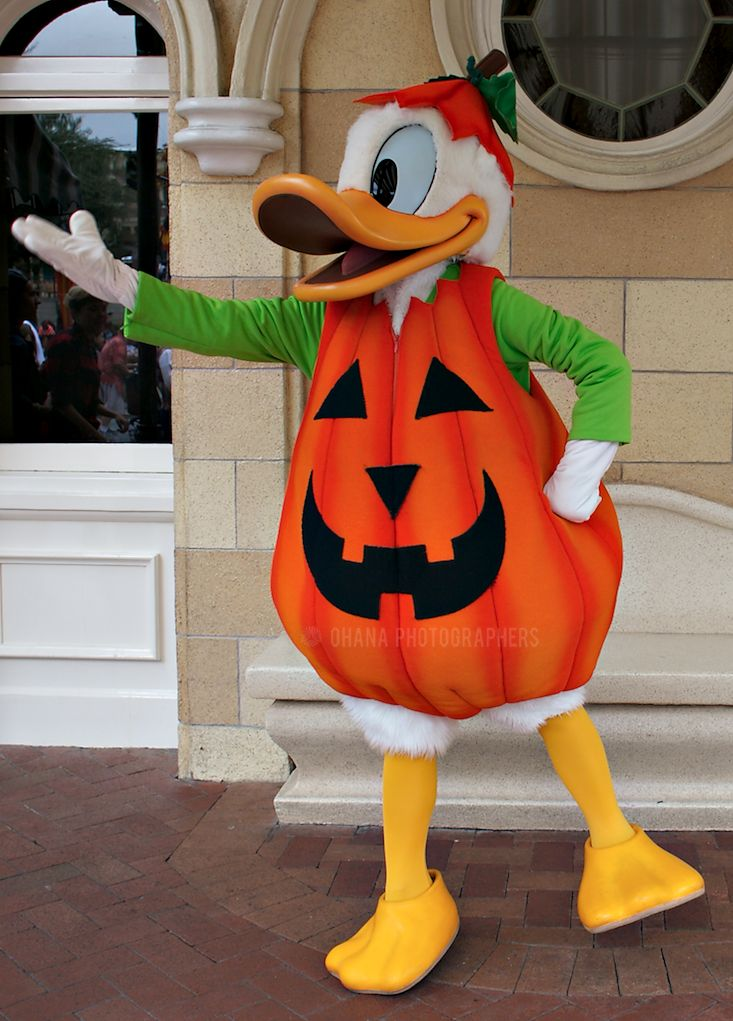 donald duck halloween town