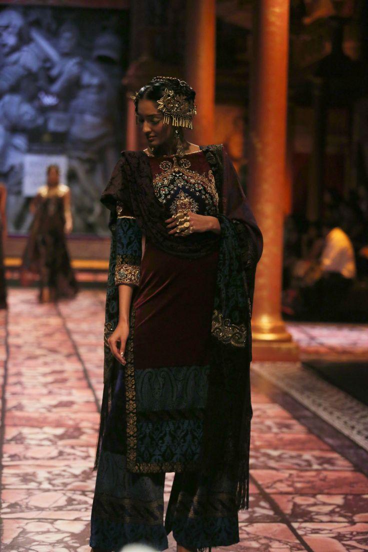 SUNEET VARMA | Fashion Designer India | Bollywood Fashion Designer