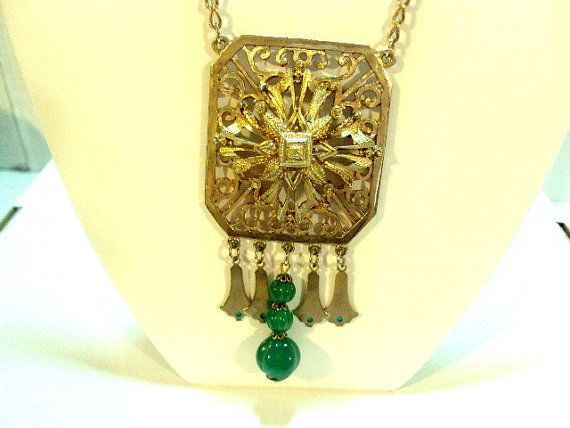 Big Bold Necklace by Lisner Green Accents by bitzofglitz4u on Etsy, $45.00