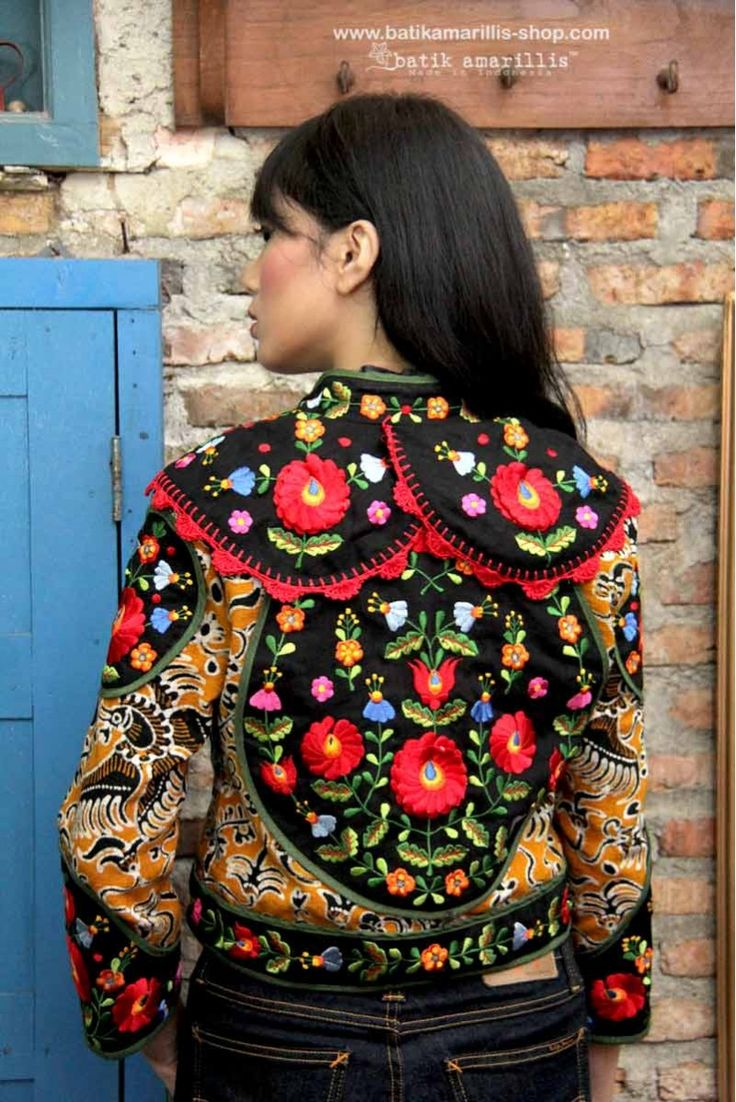 NEW ! Batik Amarillis's Torera available at Batik Amarillis webstore :www.batikamarillis-shop.com .. This is the melting pot of 3 cultures , the silhoutte's matador jacket from spain, Hungarian embroidery style and our beloved Indonesia's traditional textile , Tenun batik gedog Tuban , this piece of clothing is  rich in cultures, different flavours and yet blending beautifully! #hungarianembroidery…