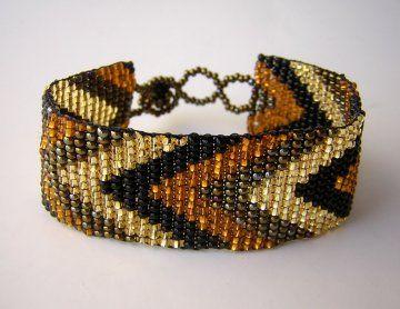 Medium Woven Bracelet - Gold Chevron