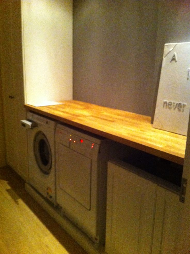 Ideaal, wasmachine en droger naast elkaar met mooie opvouwtafel  Eigen creat # Wasbak Ombouw_032612