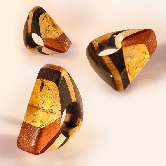 Maxi anello design intarsio legno e resina di SPhandmadejewelry