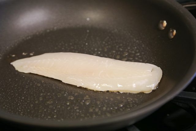 How to Cook Frozen Tilapia on the Stove