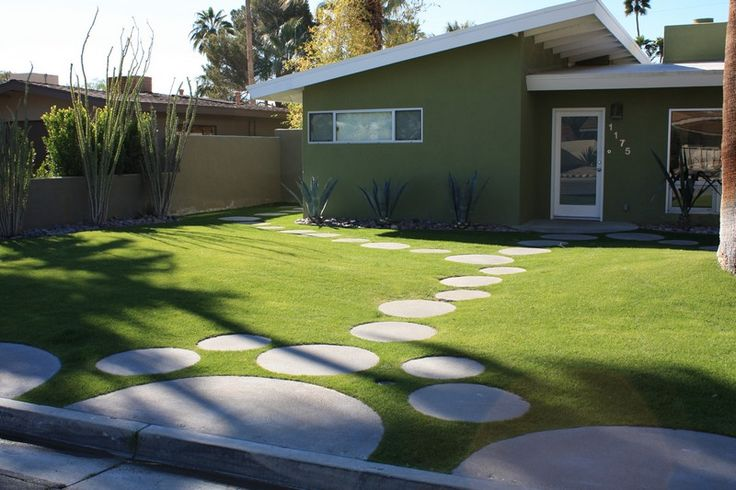 circles in mid century landscape-inspired! If you're going to have a lawn, do it right