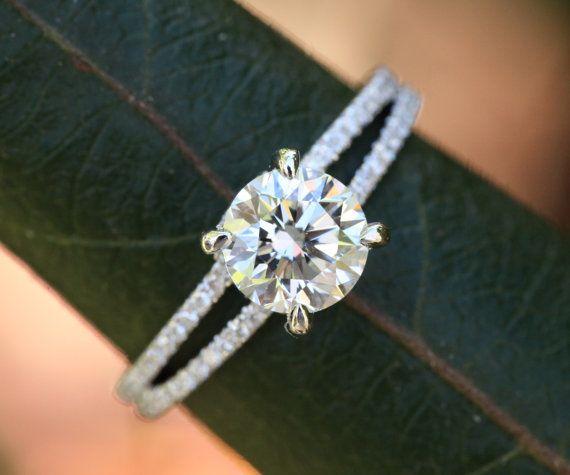 14k or blanc  bague de fiançailles diamant  Halo par BeautifulPetra