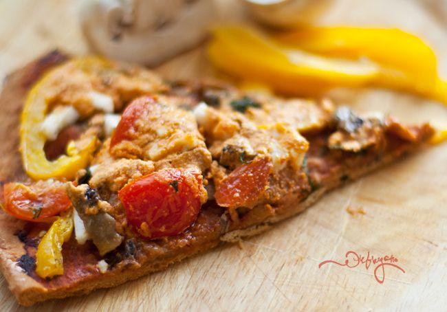 Быстрая хрустящая пицца с грибами и черри (vegan)