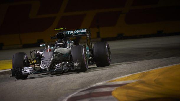 #MOTORSPORTS #MOTORS Formel 1 - MERCEDES AMG PETRONAS, Großer Preis von Singapur 2016. Nico Rosberg ; Formula One - MERCEDES AMG PETRONAS, Singapore GP 2016. Nico Rosberg;