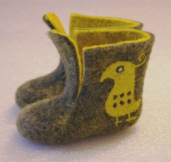 Felted baby booties-slippers. Felt baby shoes. by ingosfeltshop