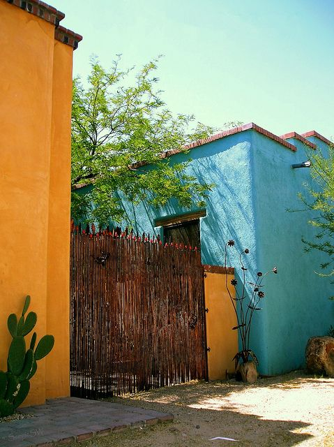 Colors tucson arizona and tucson for Arizona exterior house colors