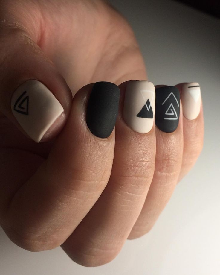 Simple geometric nails.