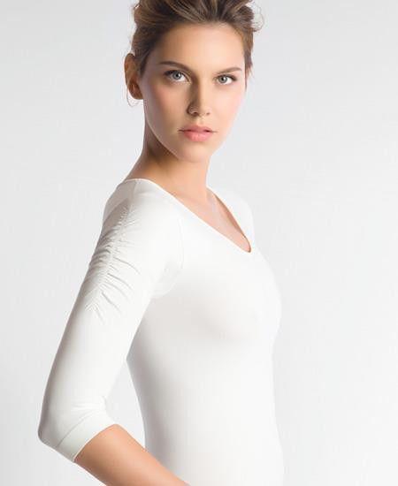 €29.95  Basicshirt im Balletstil aus weicher Mikrofaser. Perfekte Passform, keine Seitennaht. Einheitsgrösse: XS - S - M 80 % Multimikrofaser, 20 % Spandex
