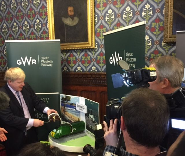 THE LONDON CORNISH TRADE EVENT (24 March 2016) | Boris Johnson gave the welcoming speech at the Houses of Parliament in London and cut the cake.     ✫ღ⊰n