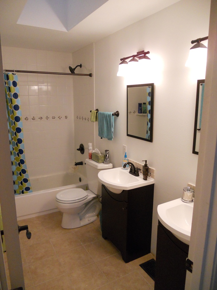 This Is Our Remodel Upstairs Bathroom We Took Out The Old Oak Dbl Sink Vani