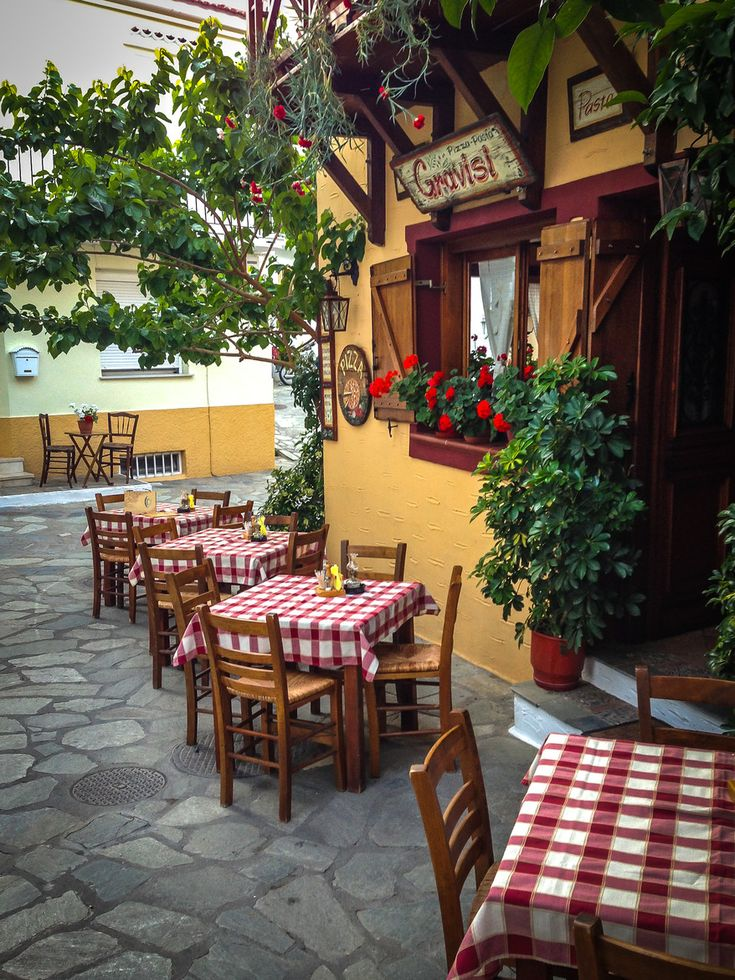 A little italian restaurant in skiathos beauty of the greek islands pinterest skiathos - Restaurant decor supplies ...