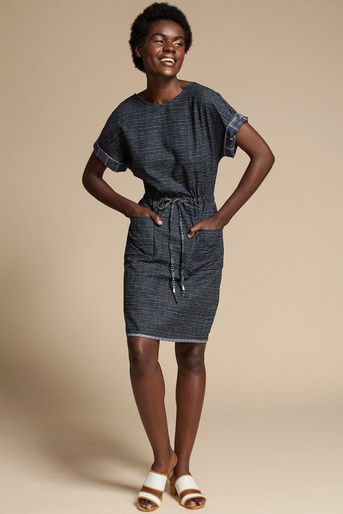 Treasure Dress by Canadian fashion designer Jennifer Glasgow. Short sleeve knee length dress with drawstring waist. Ethically made in Montreal, Canada.